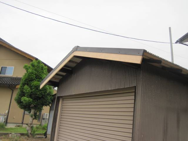 金沢市 M様邸 板金屋根葺き替え施工事例