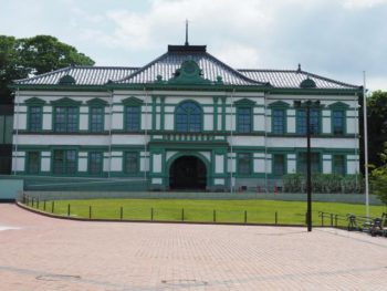 国立工芸館(旧金沢偕行社)葺き替え施工事例