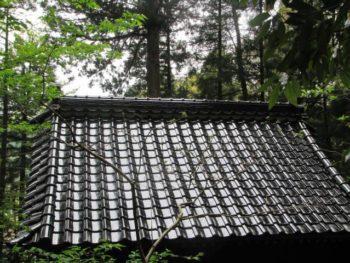 白山市 杉森白山神社神殿 屋根葺き替え施工事例